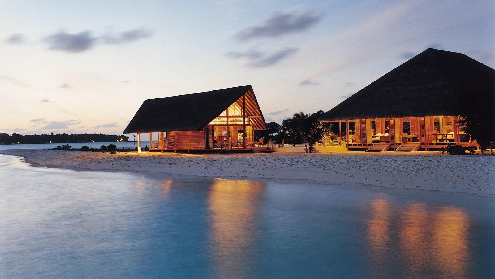 Мальдивы, отель COMO Cocoa Island, Faru Bar