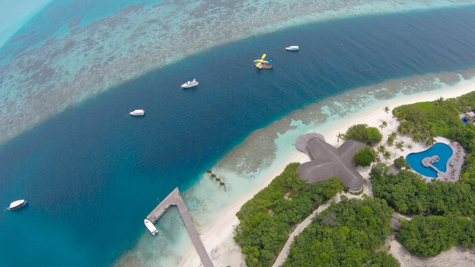 Мальдивы, отель Hideaway Beach Resort & Spa, канал