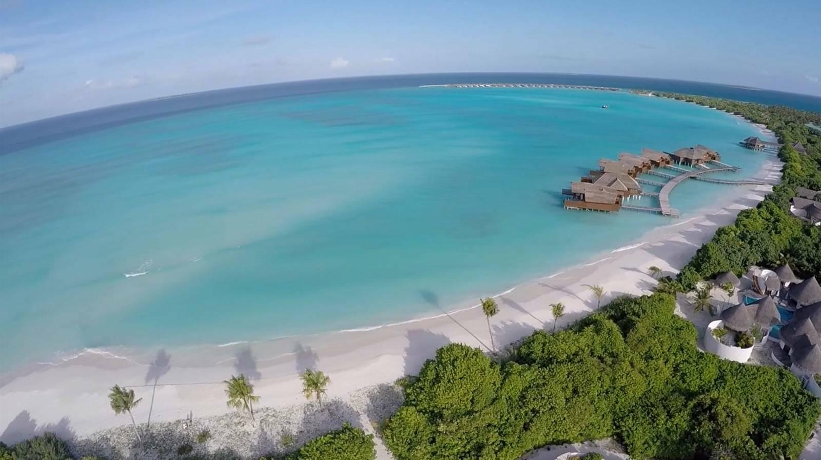 Мальдивы, отель Hideaway Beach Resort & Spa, пляж