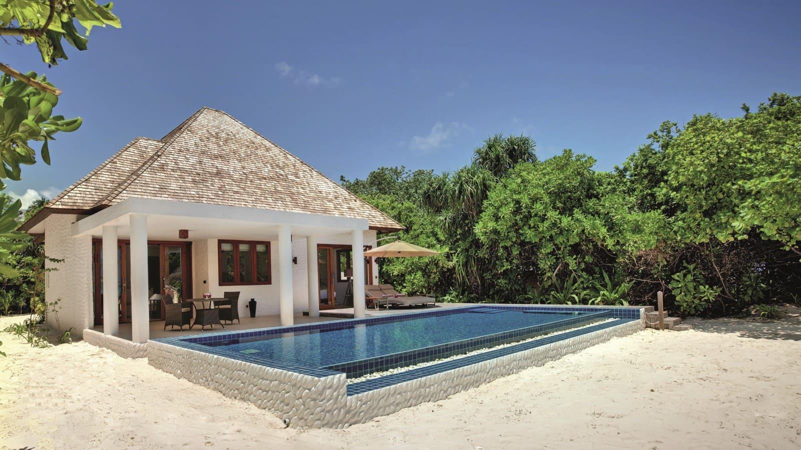 Мальдивы, Отель Hideaway Beach Resort & Spa, номер Deluxe Beach Residence with Pool
