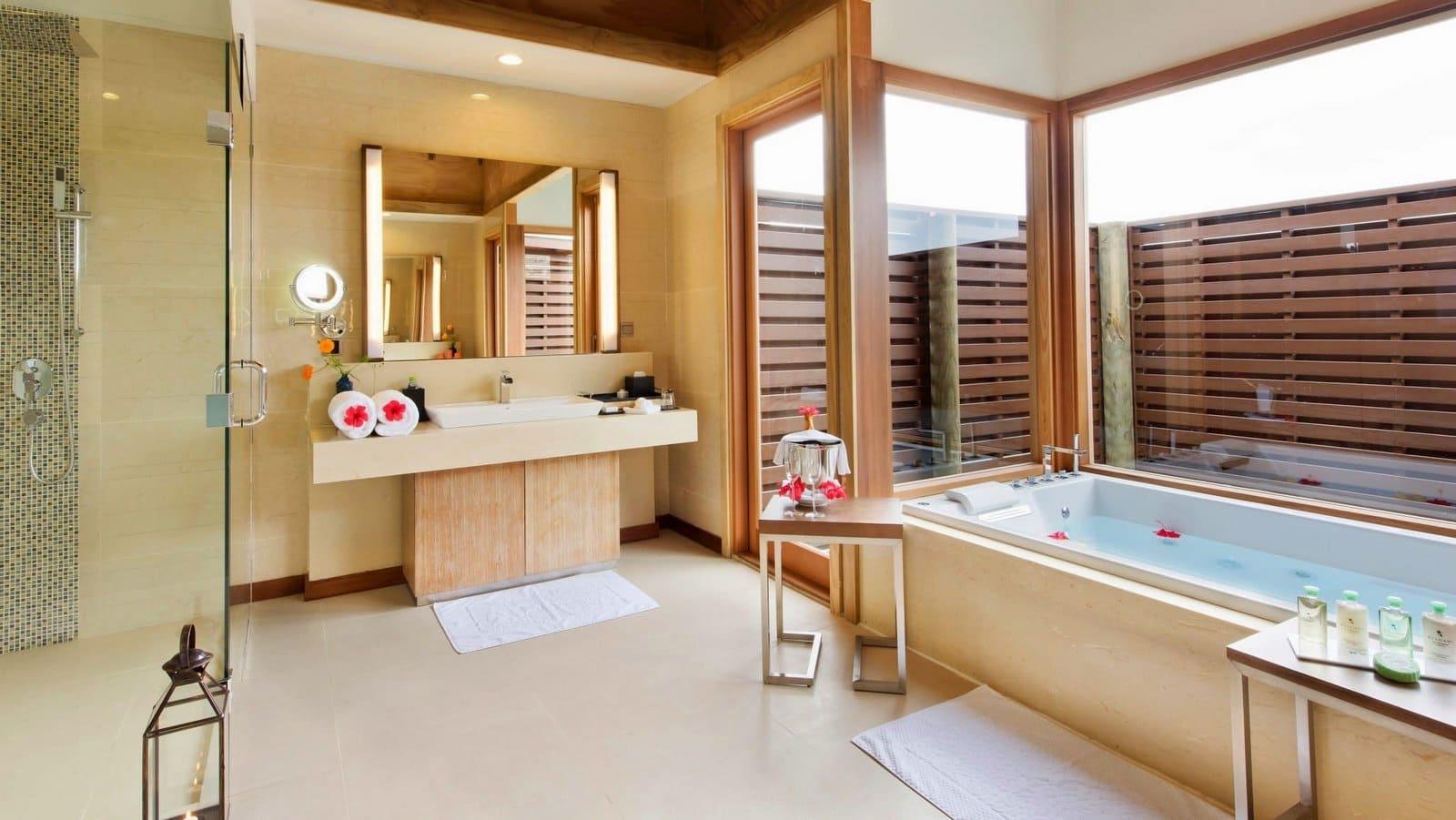 Мальдивы, Отель Hideaway Beach Resort & Spa, номер Ocean Villa with Pool