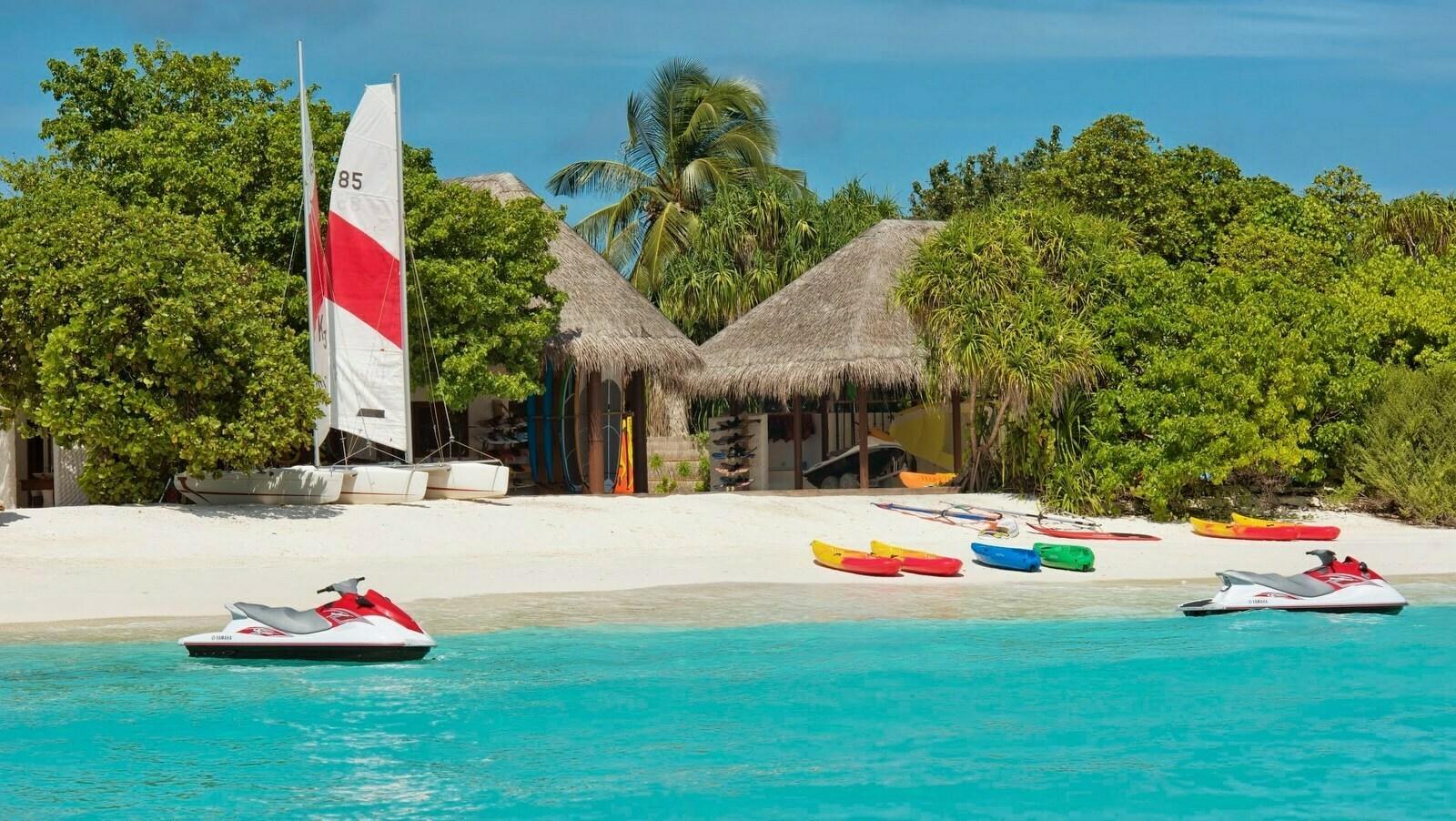 Мальдивы, отель Hideaway Beach Resort & Spa, водный спорт