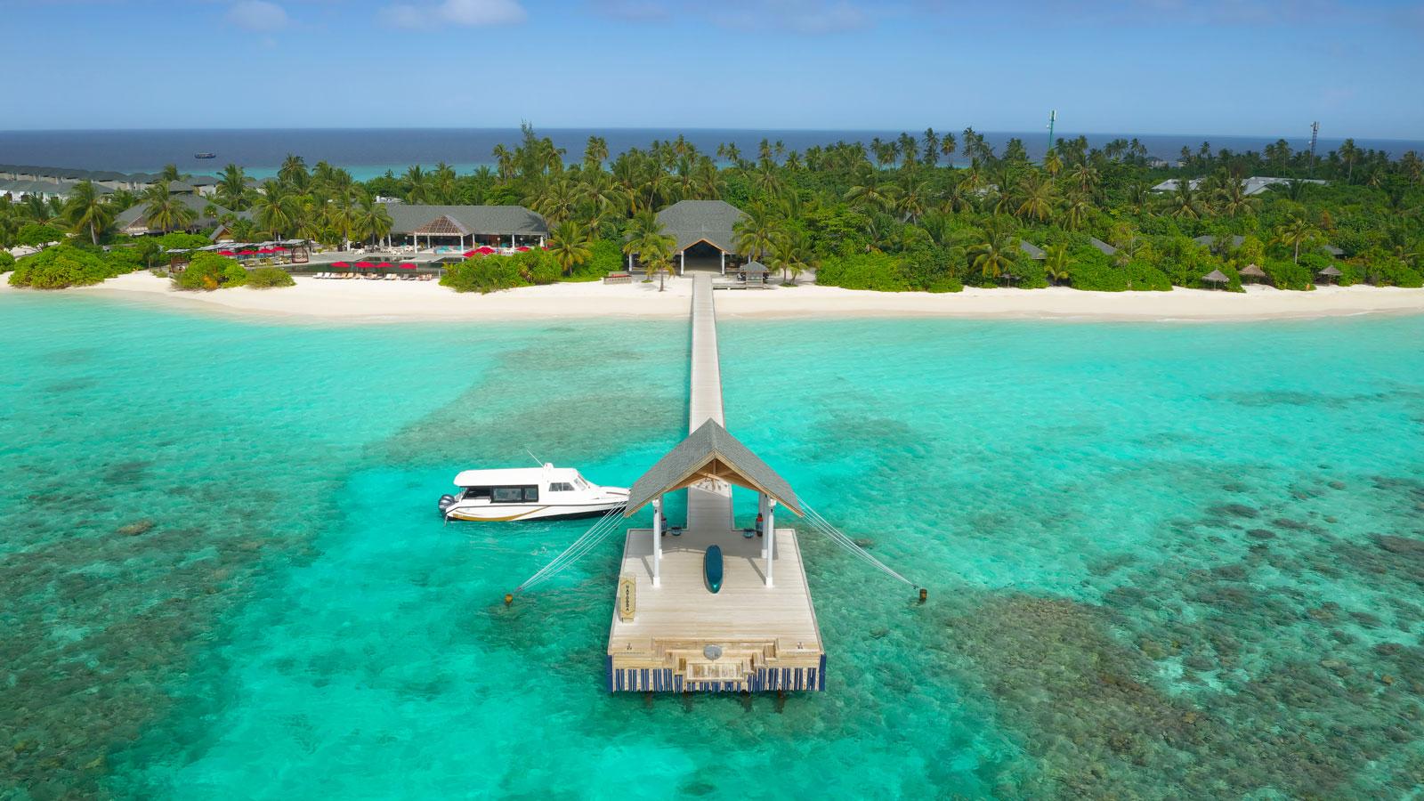 Мальдивы, отель Amari Havodda Maldives, причал