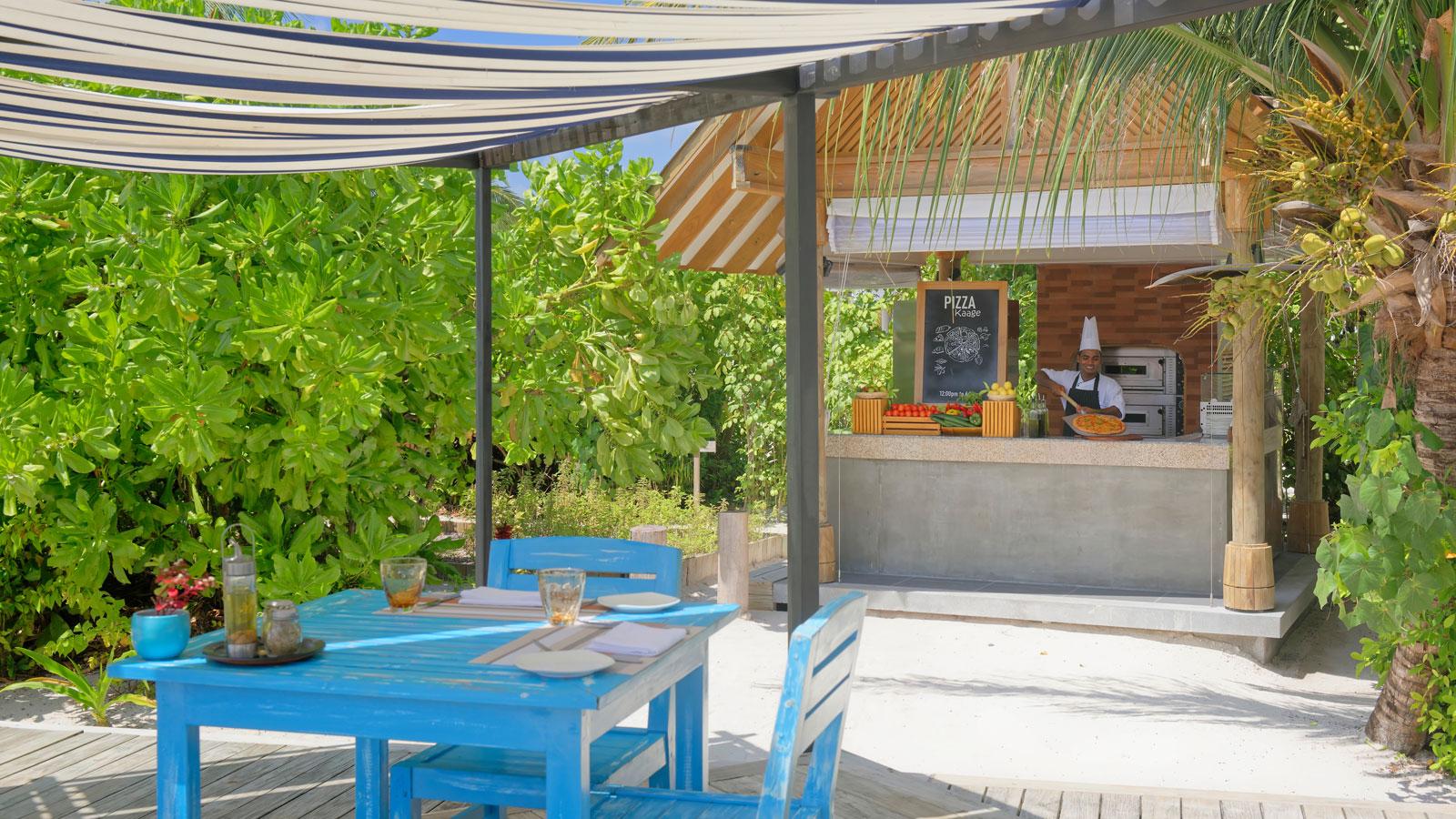 Мальдивы, отель Amari Havodda Maldives, Pizza Kaage