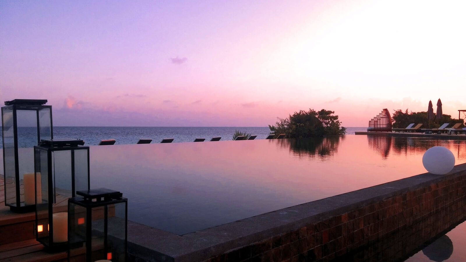 Мальдивы, отель Amari Havodda Maldives, бассейн