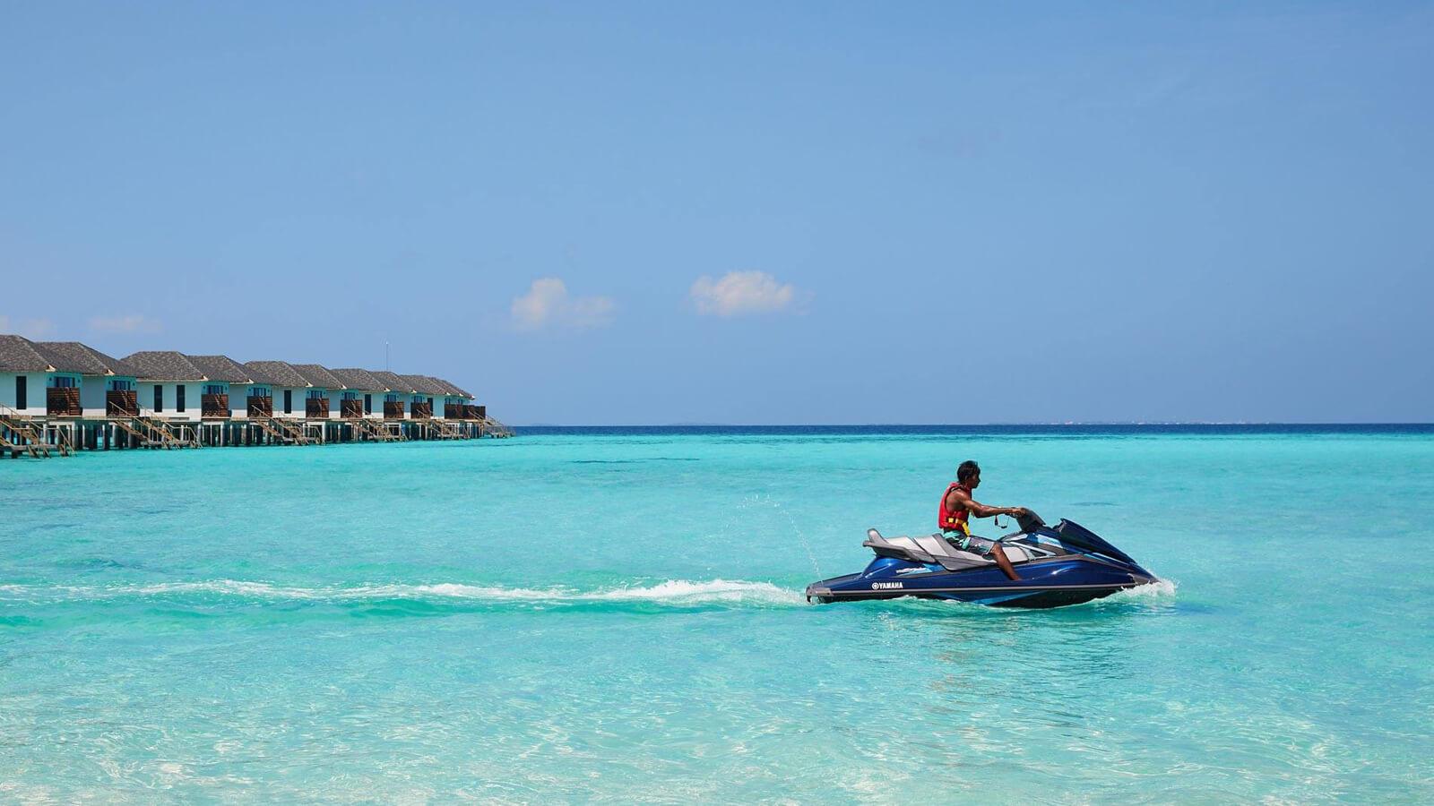 Мальдивы, отель Amari Havodda Maldives, джет скай