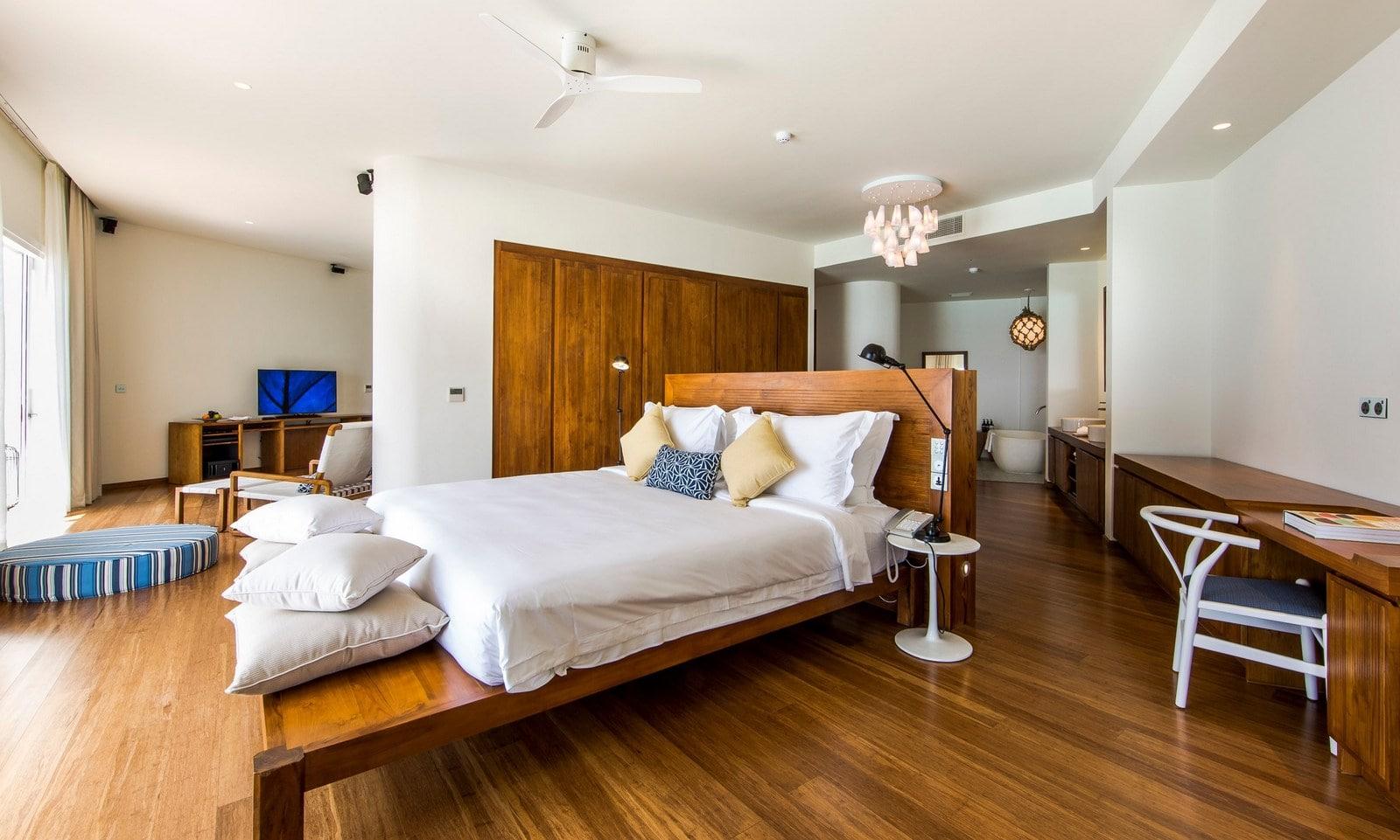 Мальдивы, Отель Amilla Fushi Maldives, номер 2-Bedroom Lagoon Water Pool Villa