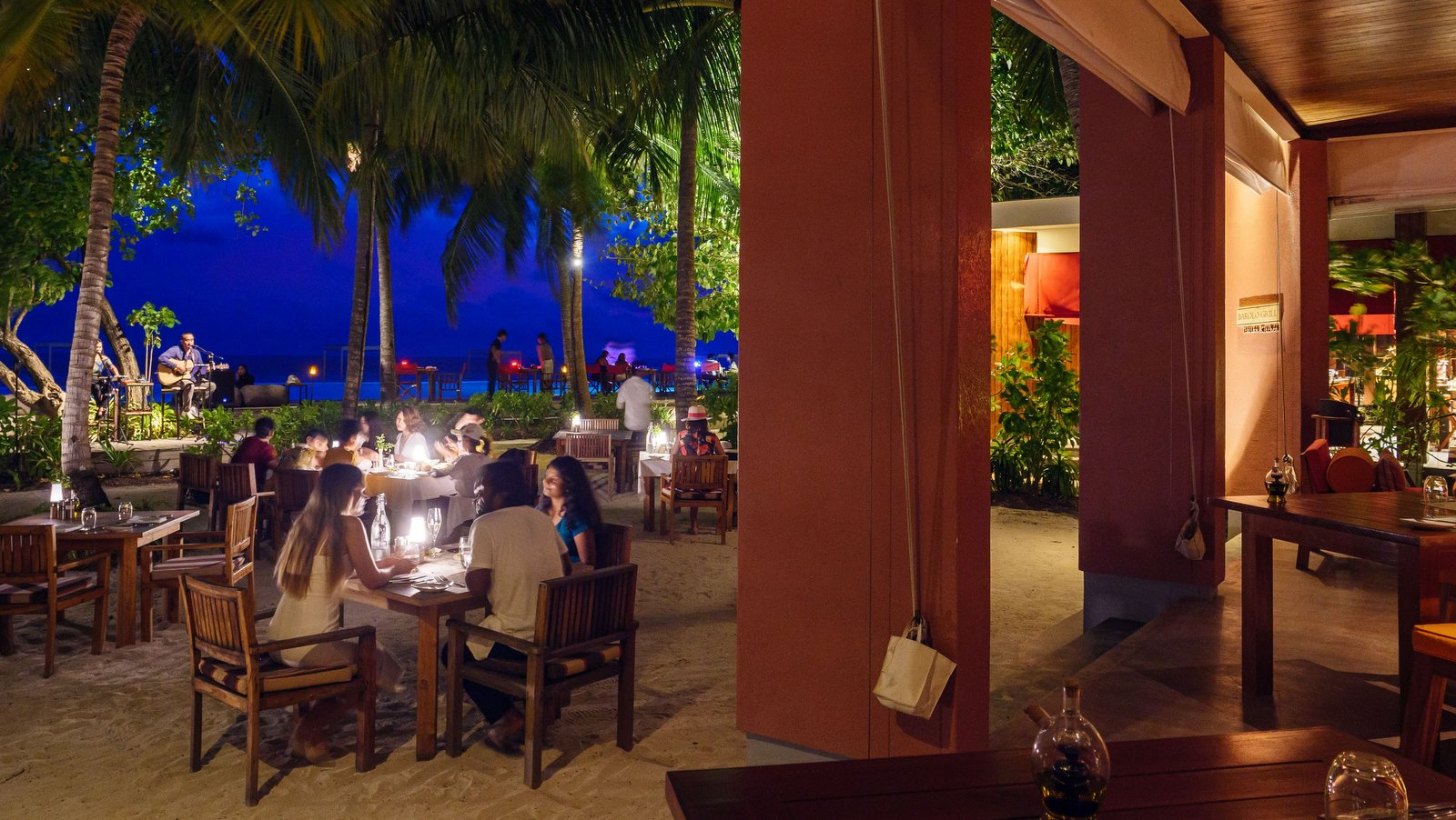 Мальдивы, отель Amilla Fushi Maldives, Barolo Grill