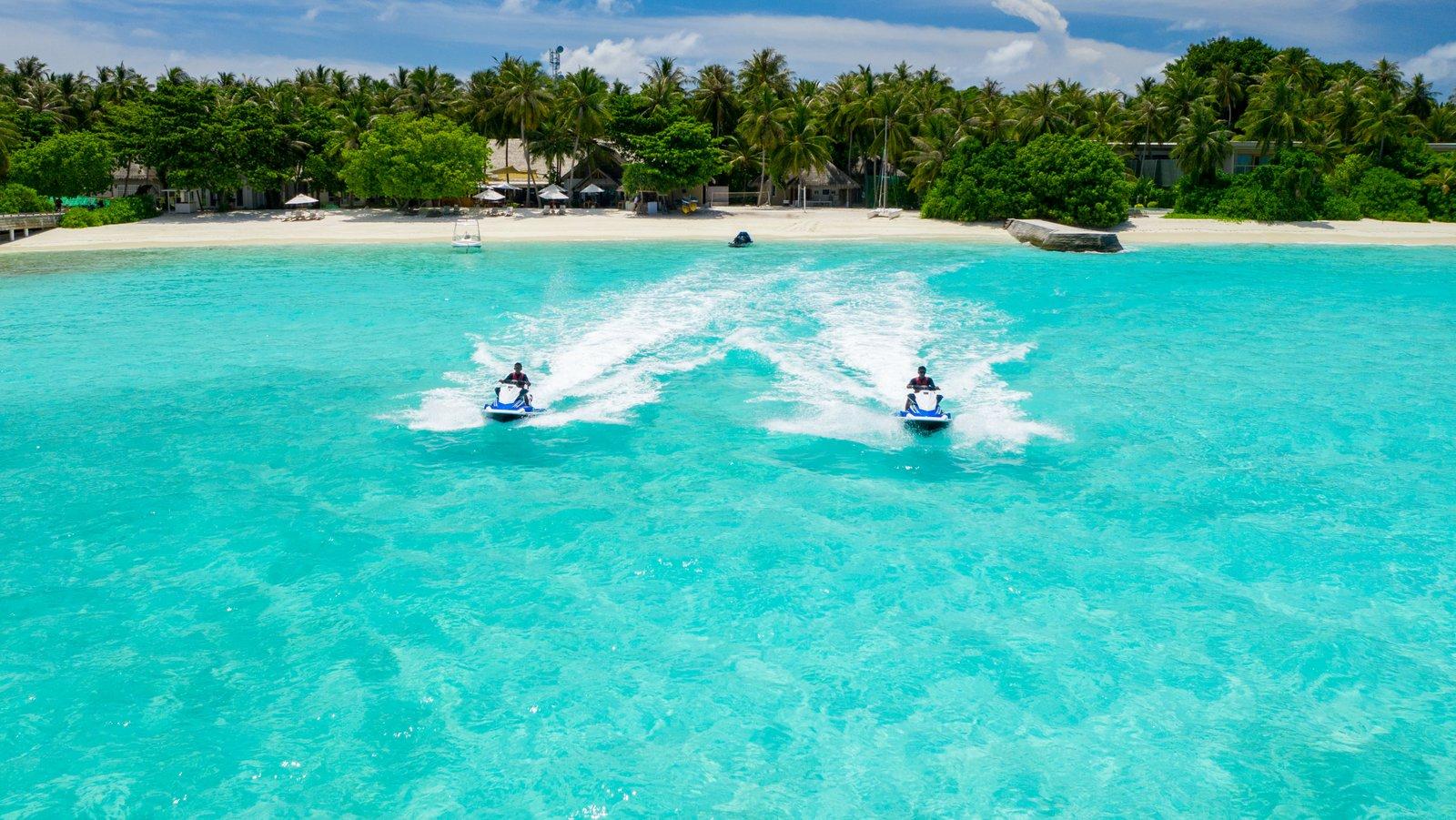 Мальдивы, отель Amilla Fushi Maldives, гидроциклы