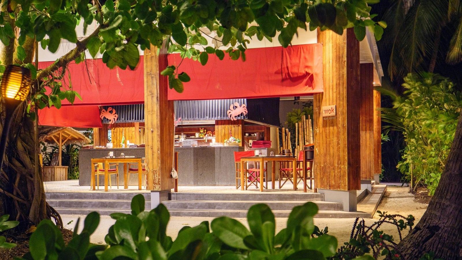 Мальдивы, отель Amilla Fushi Maldives, ресторан WOK