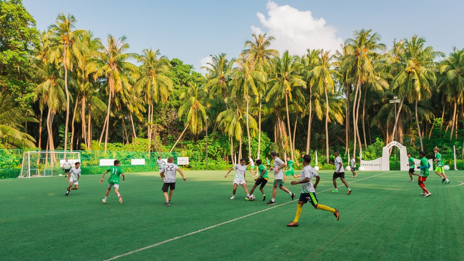 Мальдивы, отель Amilla Fushi Maldives, стадион