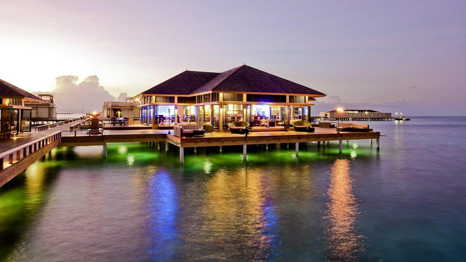 Мальдивы, отель Angsana Velavaru, ресторан Azzurro