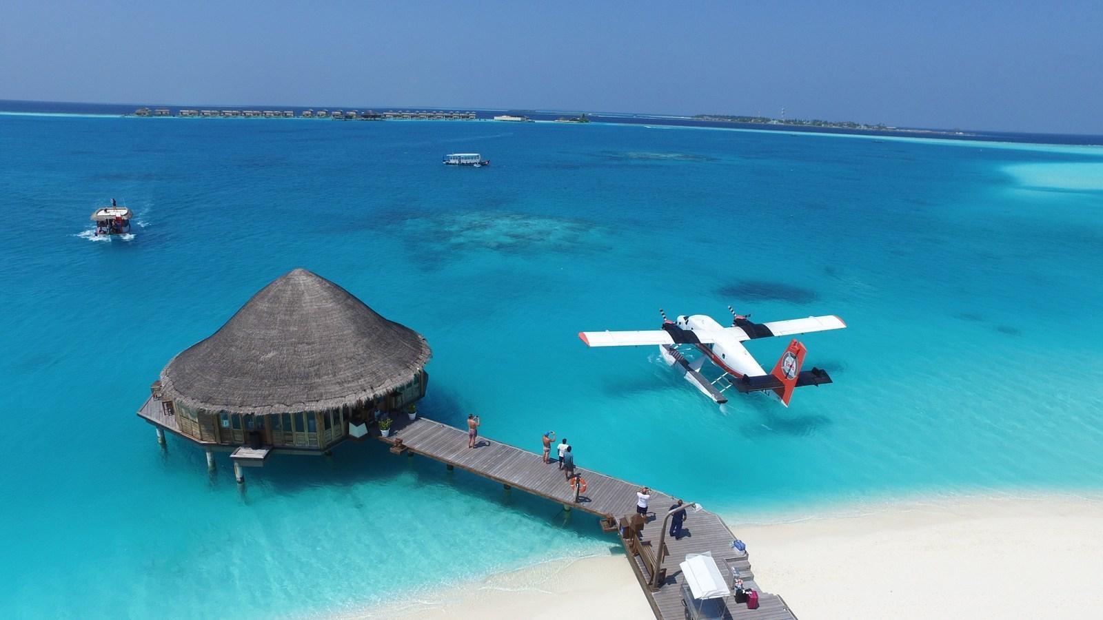 Мальдивы, отель Angsana Velavaru, гидросамолет