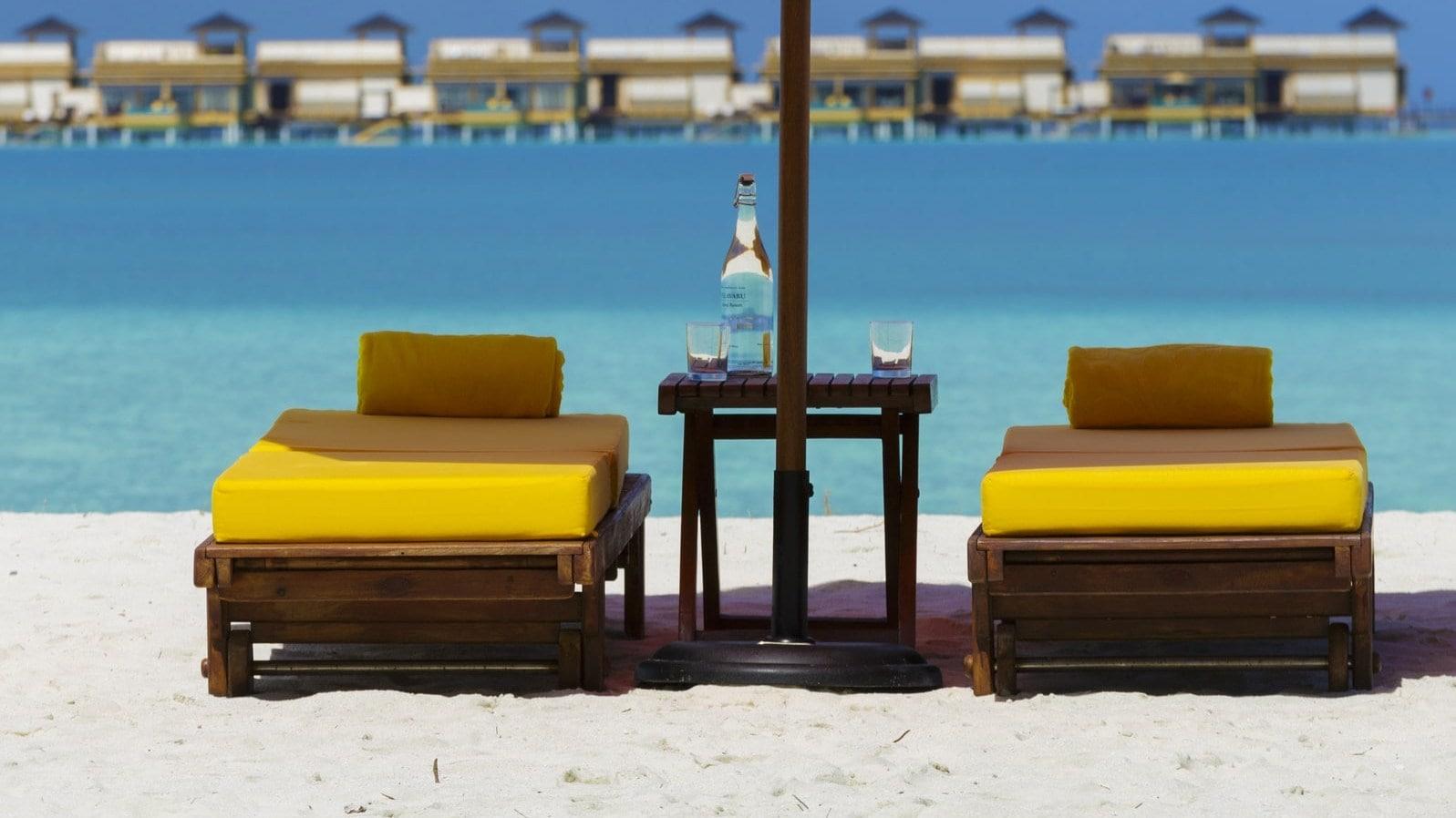 Мальдивы, Отель Angsana Velavaru, номер Beachfront Villa