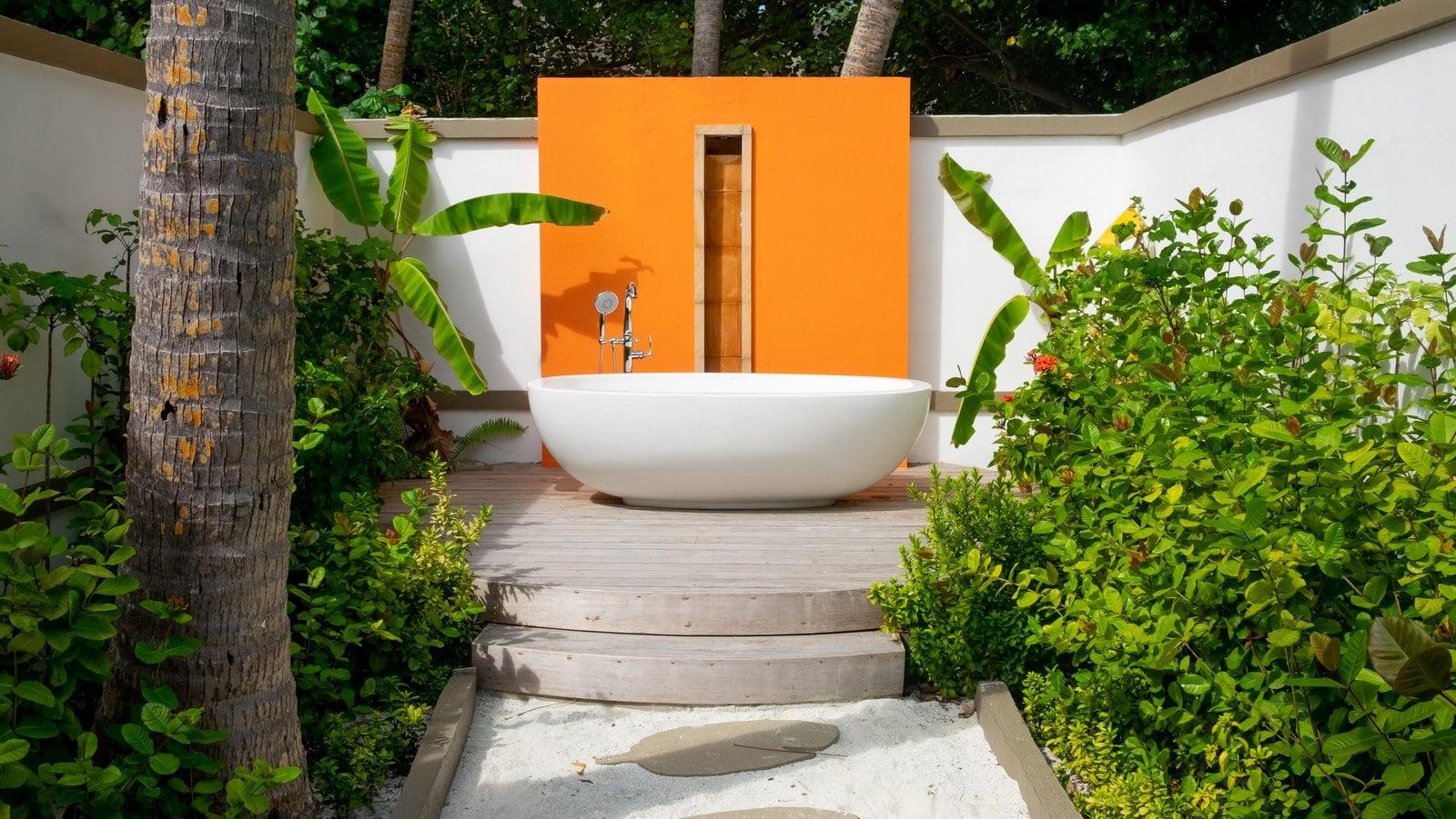 Мальдивы, отель Angsana Velavaru, номер Beachfront Infinity Pool Villa