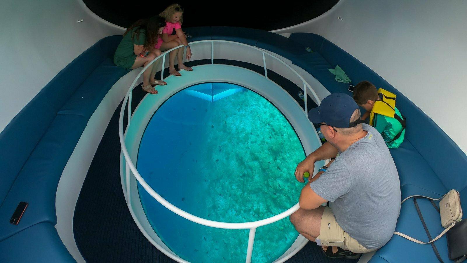 Мальдивы, отель Bandos Maldives, субмарина