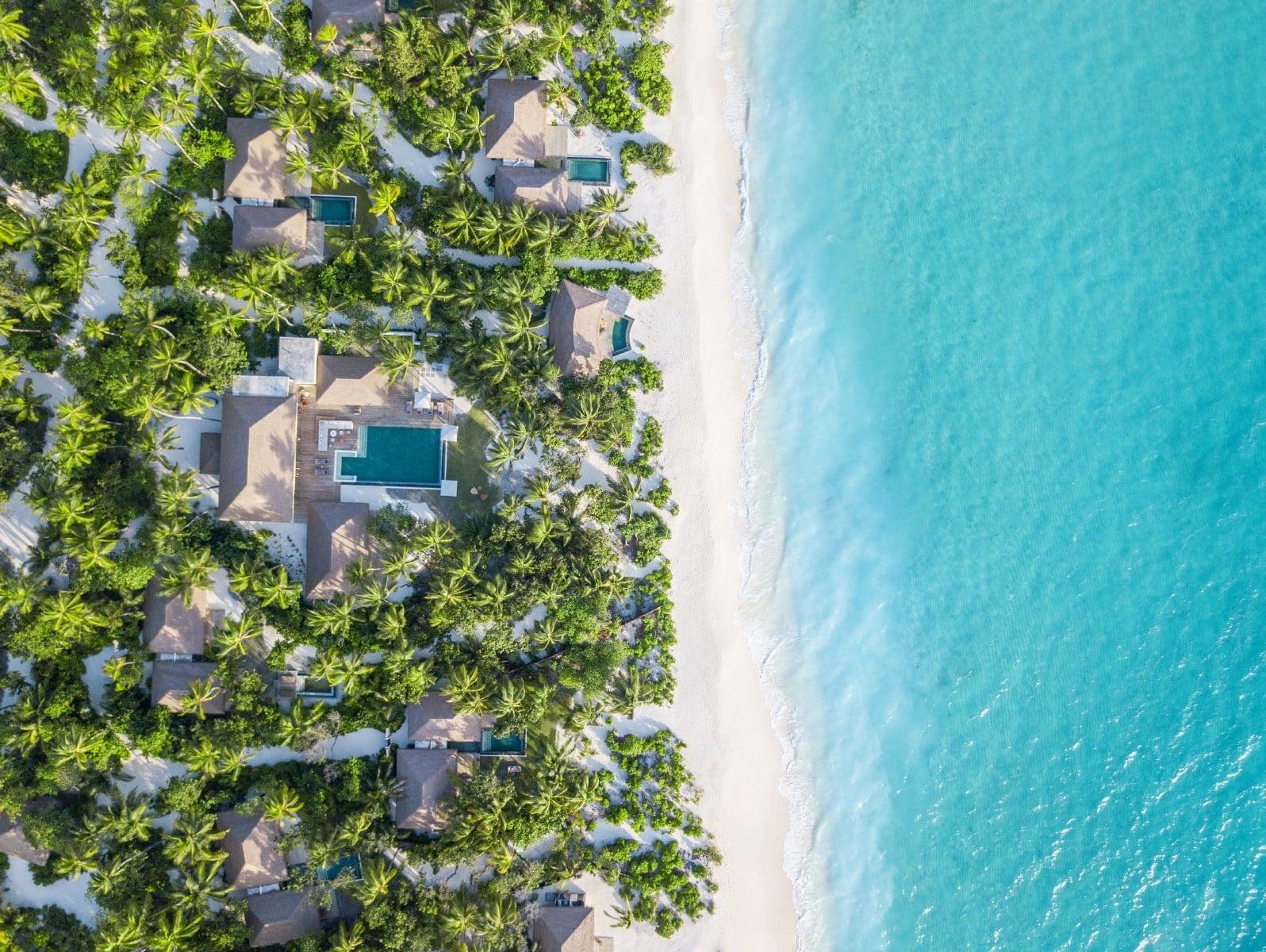 Мальдивы, отель Intercontinental Maldives Maamunagau, номер Three Bedroom Royal Beachfront Residence