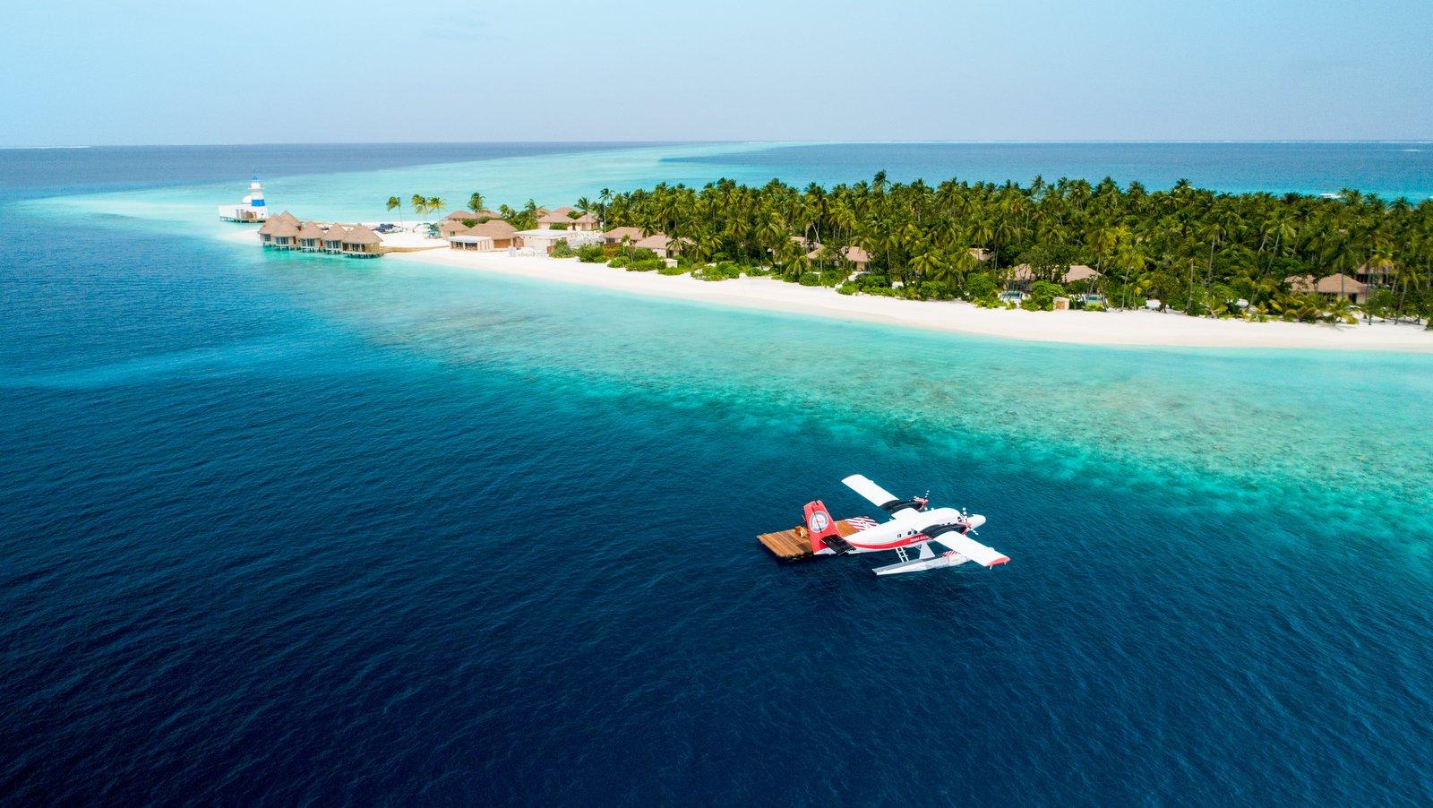 Мальдивы, отель Intercontinental Maldives Maamunagau, гидросамолет