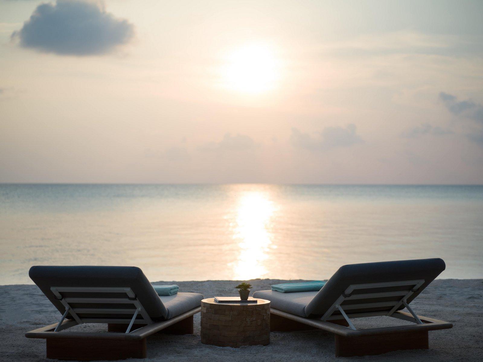 Мальдивы, отель Intercontinental Maldives Maamunagau