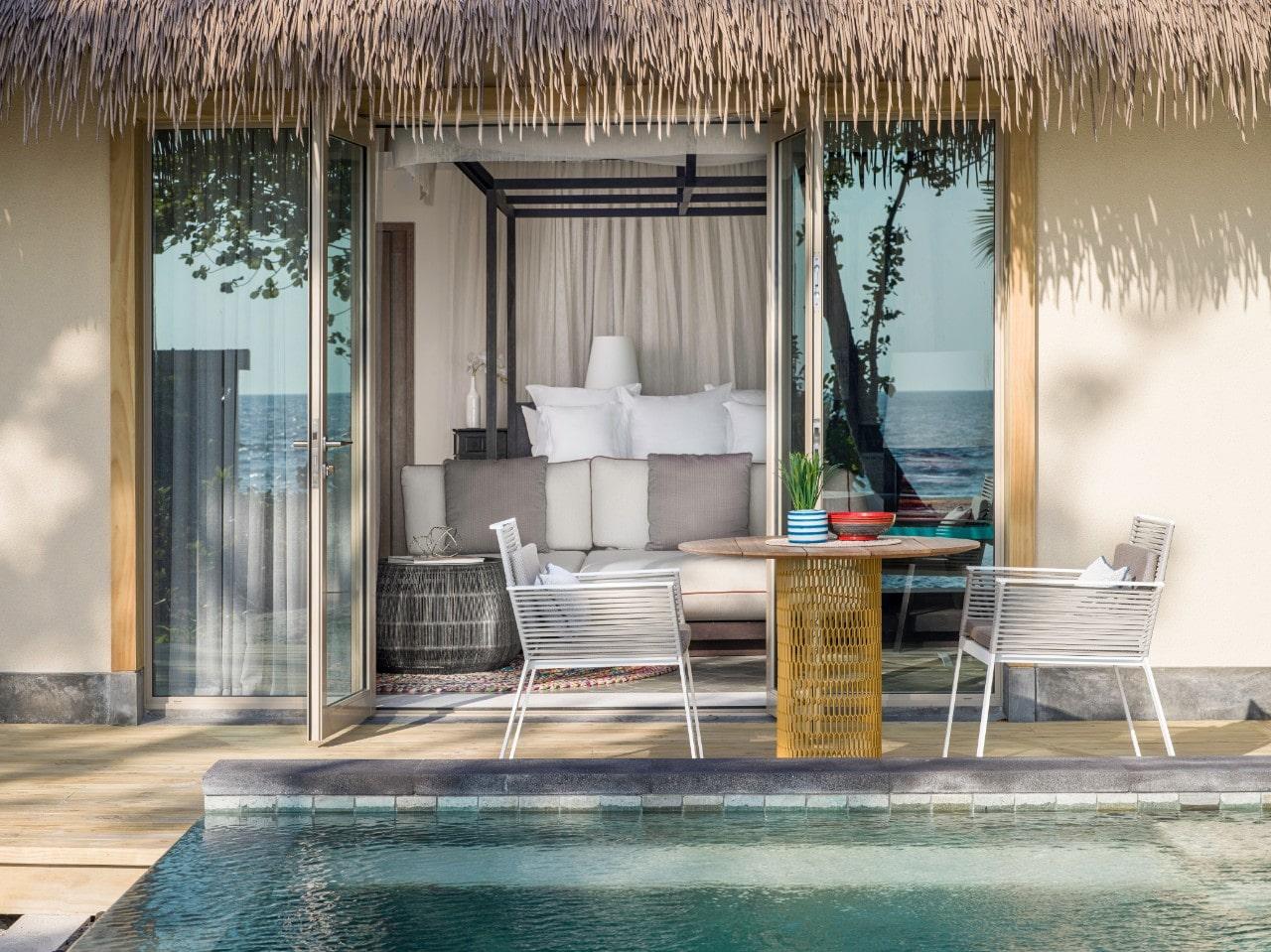 Мальдивы, отель Intercontinental Maldives Maamunagau, номер Beach Pool Villa