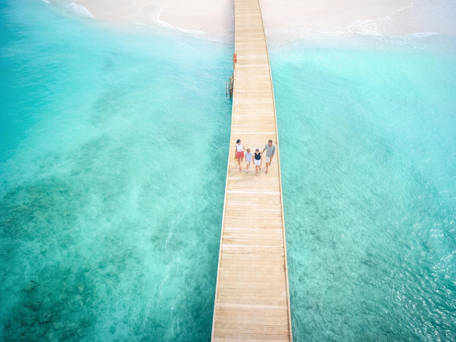 Мальдивы, отель Intercontinental Maldives Maamunagau, мост