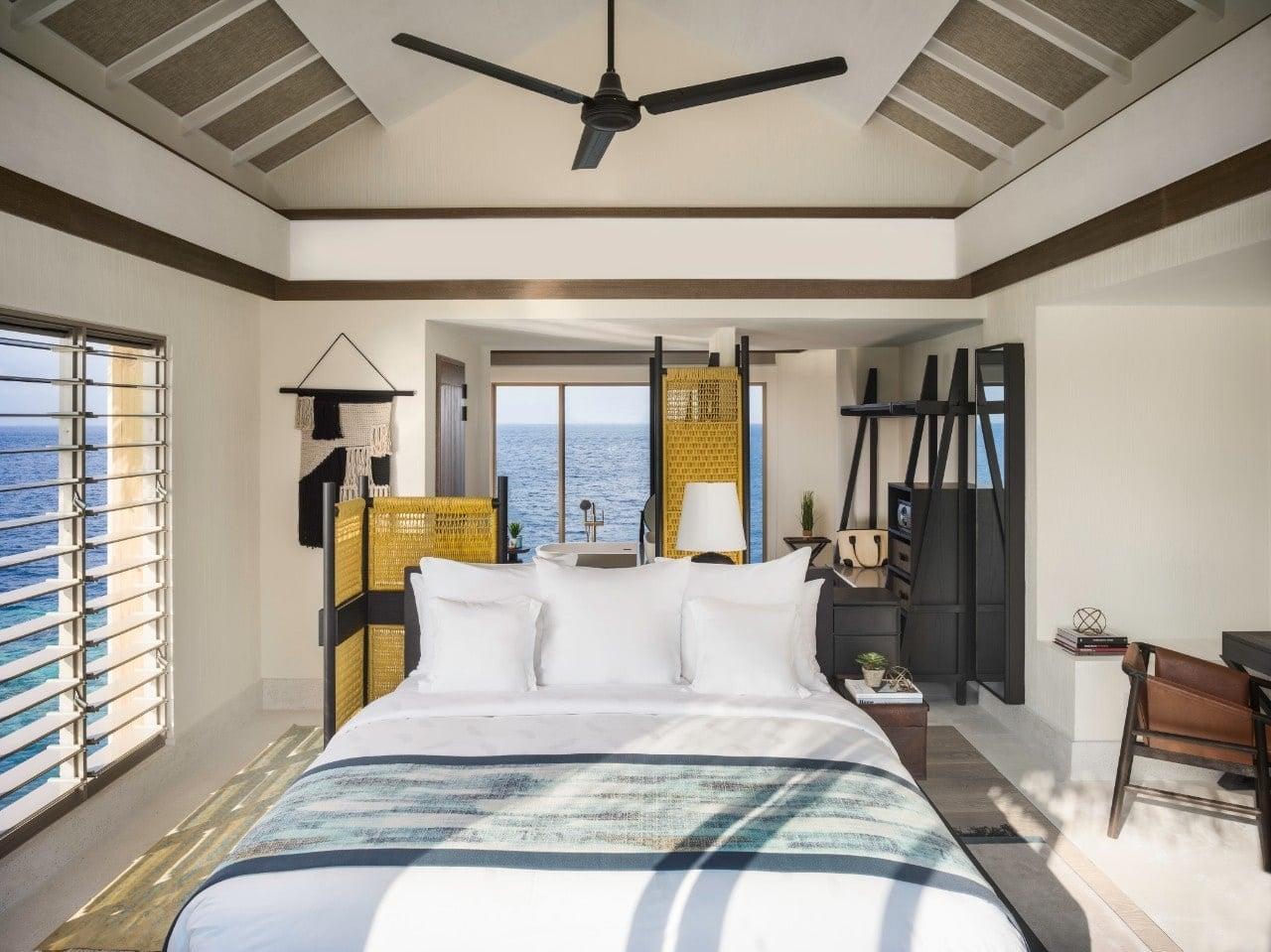 Мальдивы, отель Intercontinental Maldives Maamunagau, номер One Bedroom Lagoon Pool Villa