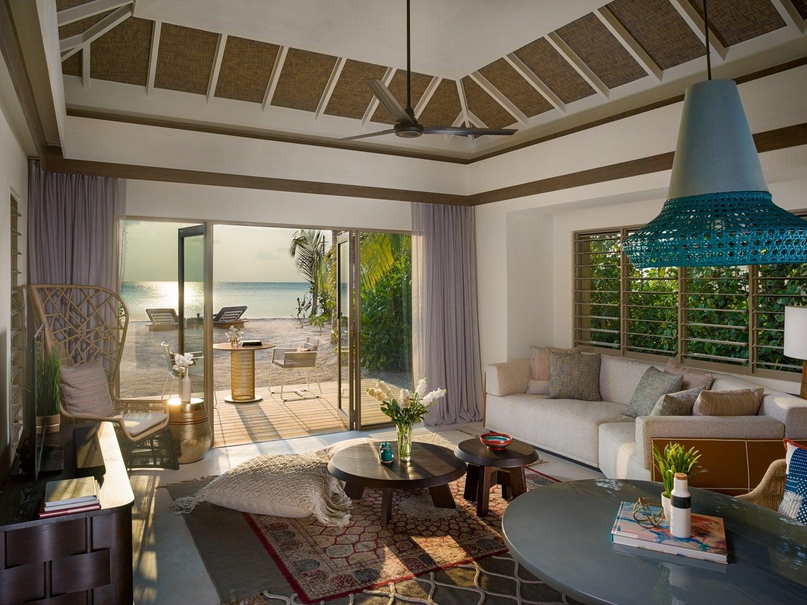 Мальдивы, отель Intercontinental Maldives Maamunagau, номер Two Bedroom Family Beach Pool Villa