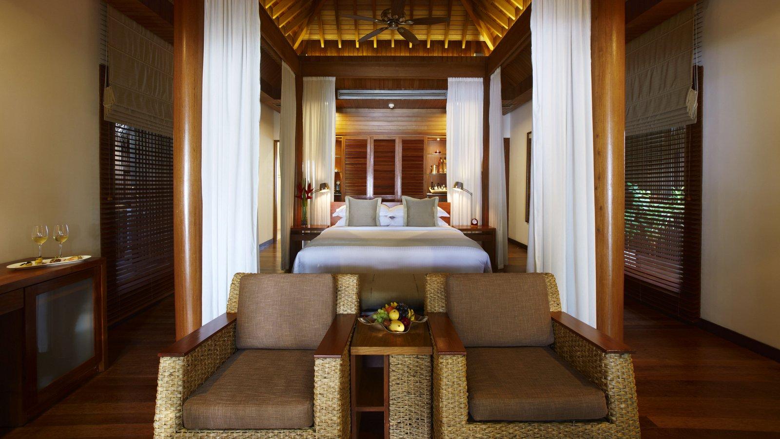 Мальдивы, отель Baros Maldives, номер Baros Villa