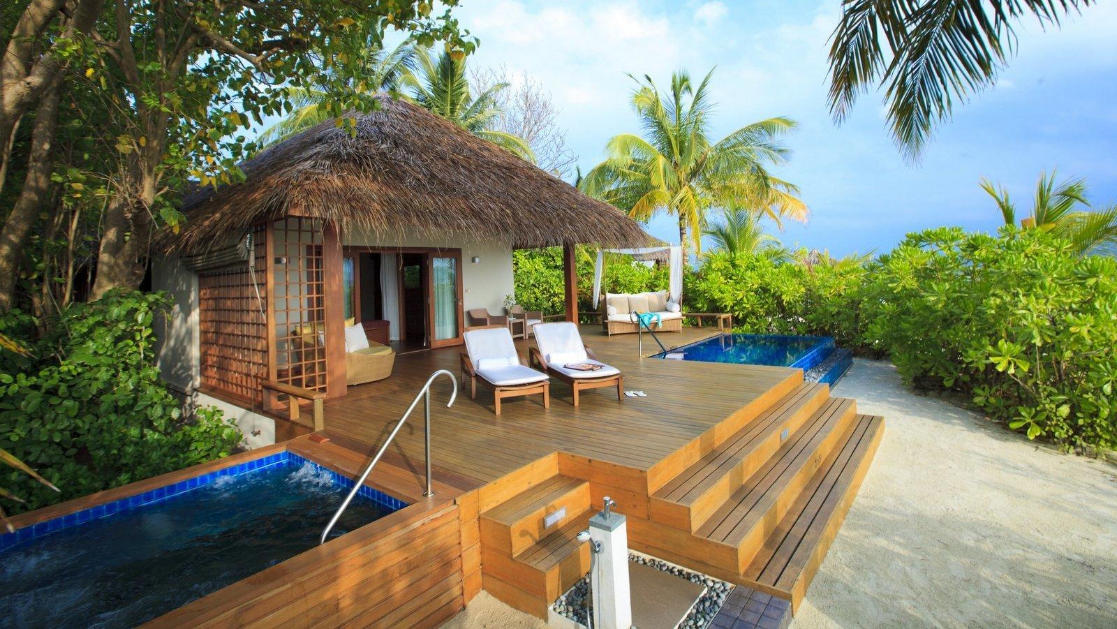 Мальдивы, отель Baros Maldives, номер Premium Pool Villa