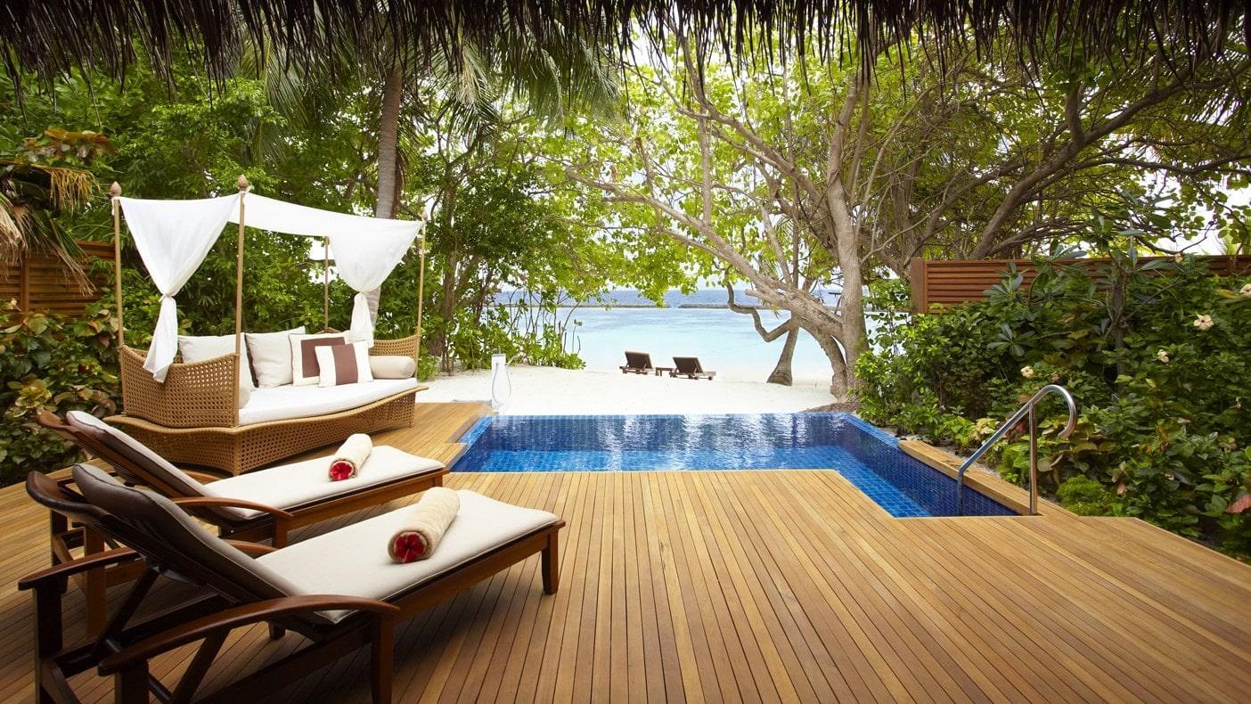 Мальдивы, отель Baros Maldives, номер Baros Pool Villa