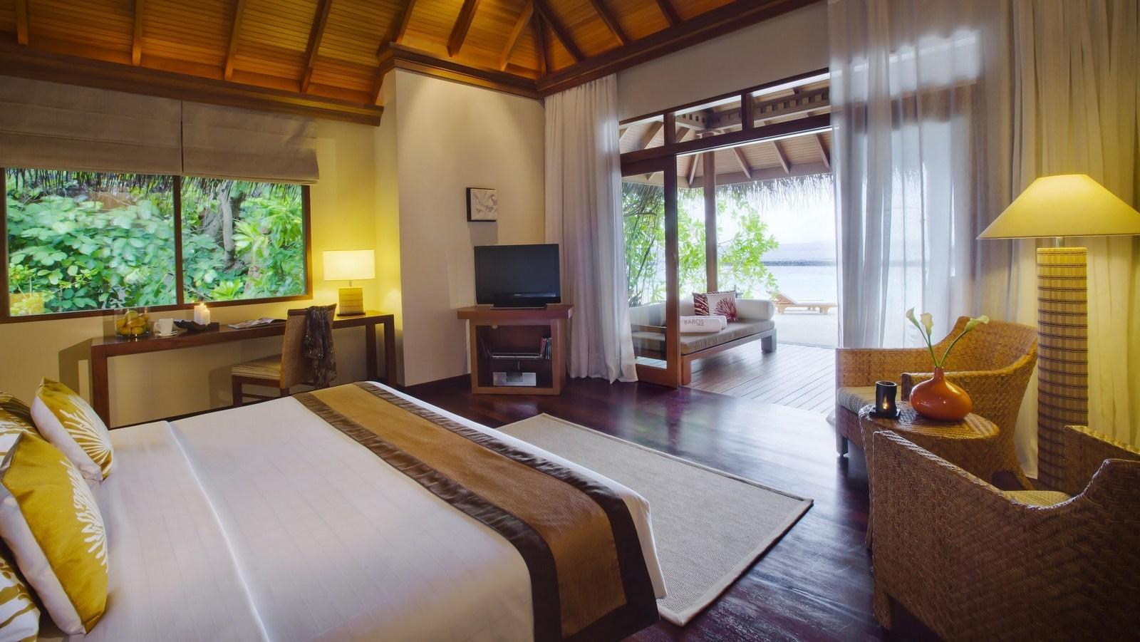 Мальдивы, отель Baros Maldives, номер Deluxe Villa
