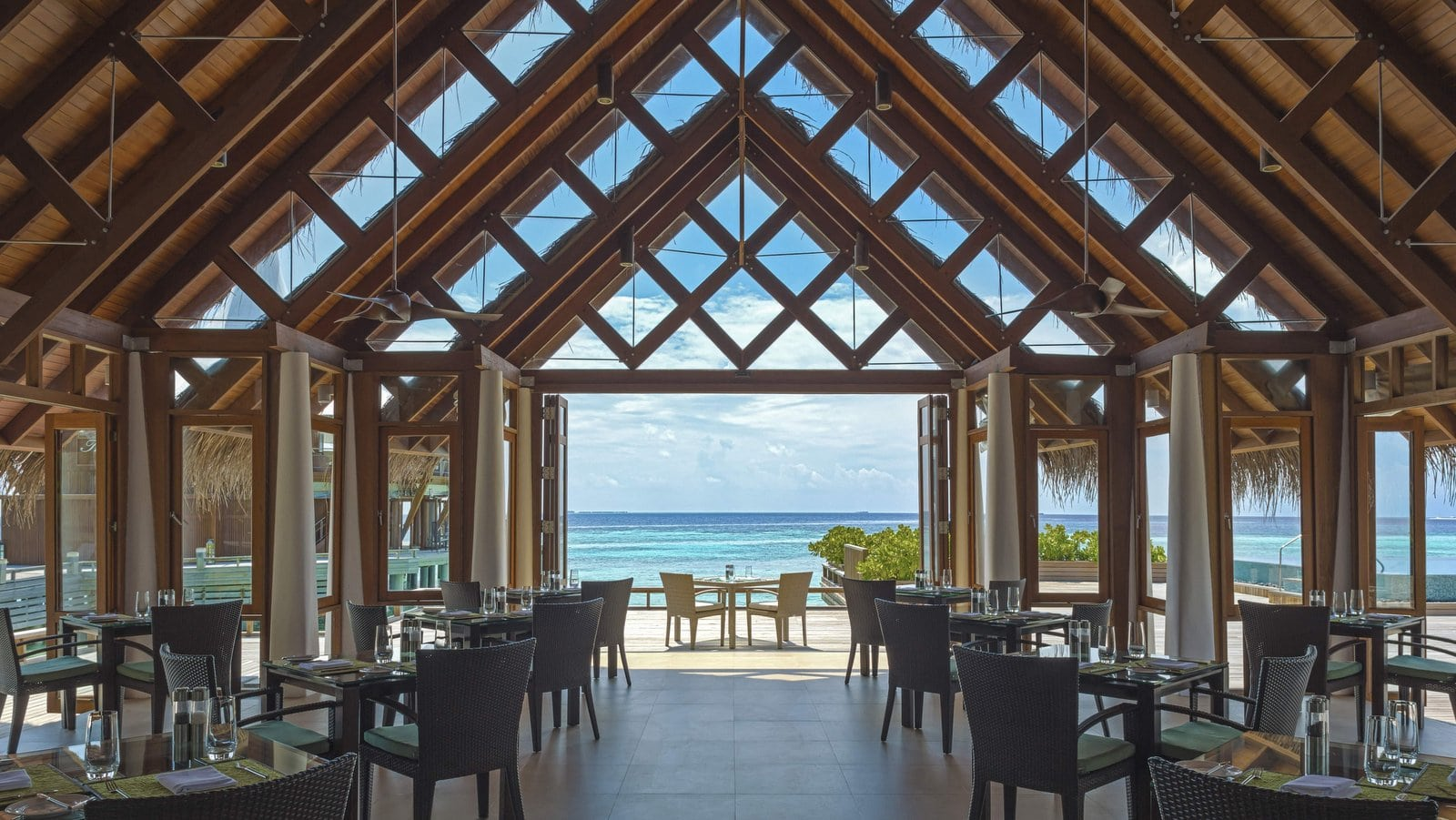 Мальдивы, отель Baros Maldives, ресторан Lime