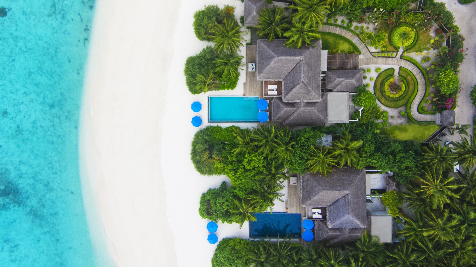 Мальдивы, отель Dusit Thani Maldives, номер Two Bedroom Beach Residence with Pool
