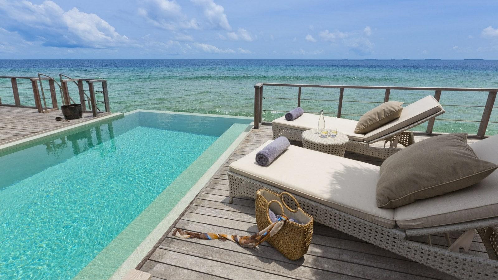 Мальдивы, отель Dusit Thani Maldives, номер Two Bedroom Ocean Pavilion with Pool