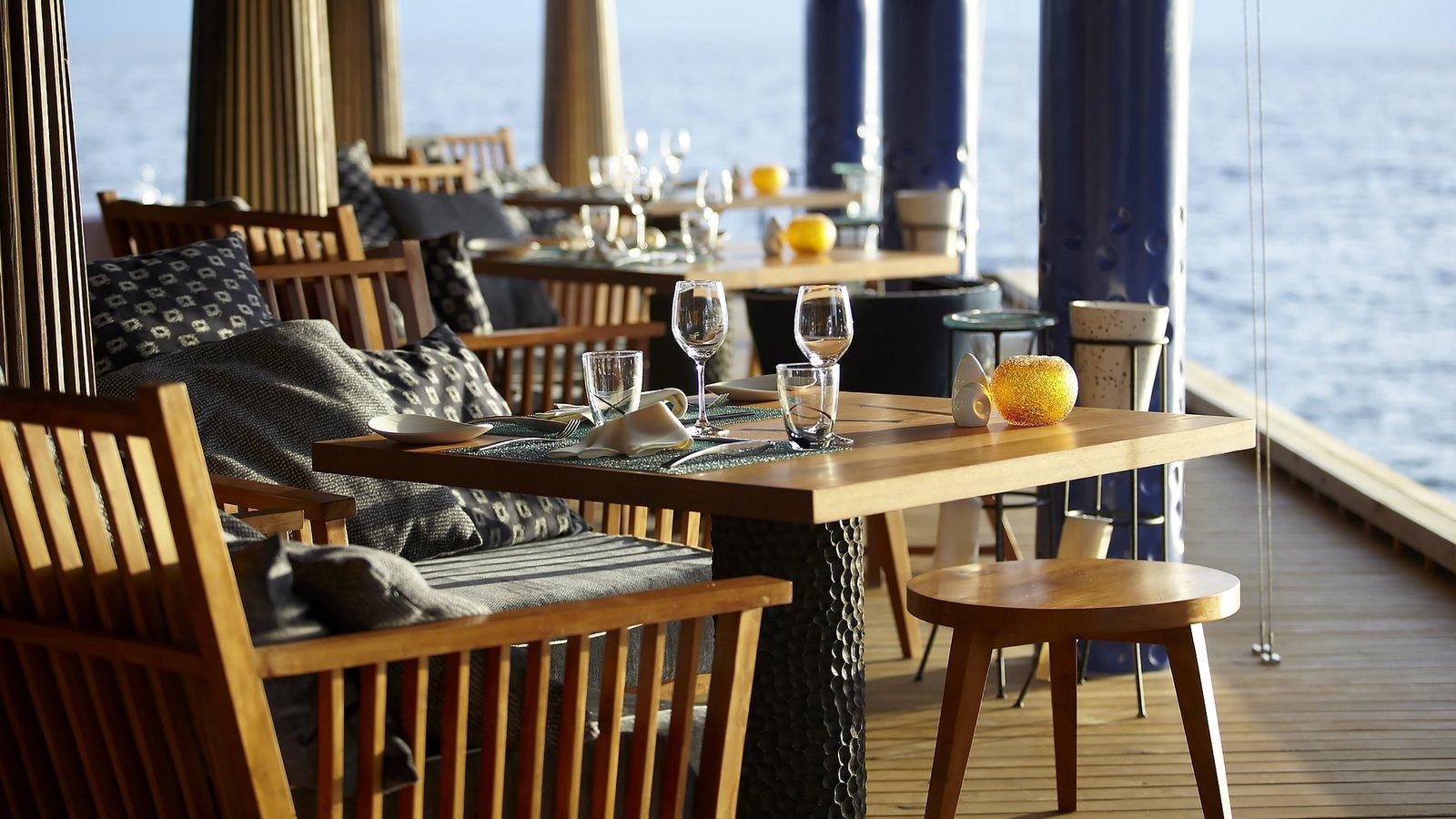 Мальдивы, отель Anantara Kihavah Maldives Villas, ресторан Salt