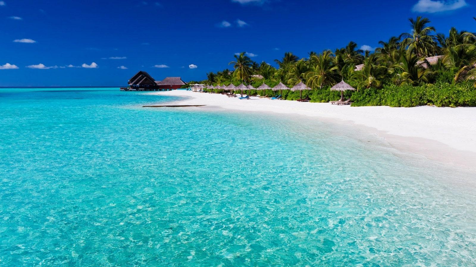 Мальдивы, отель Anantara Dhigu Maldives Resort, пляж