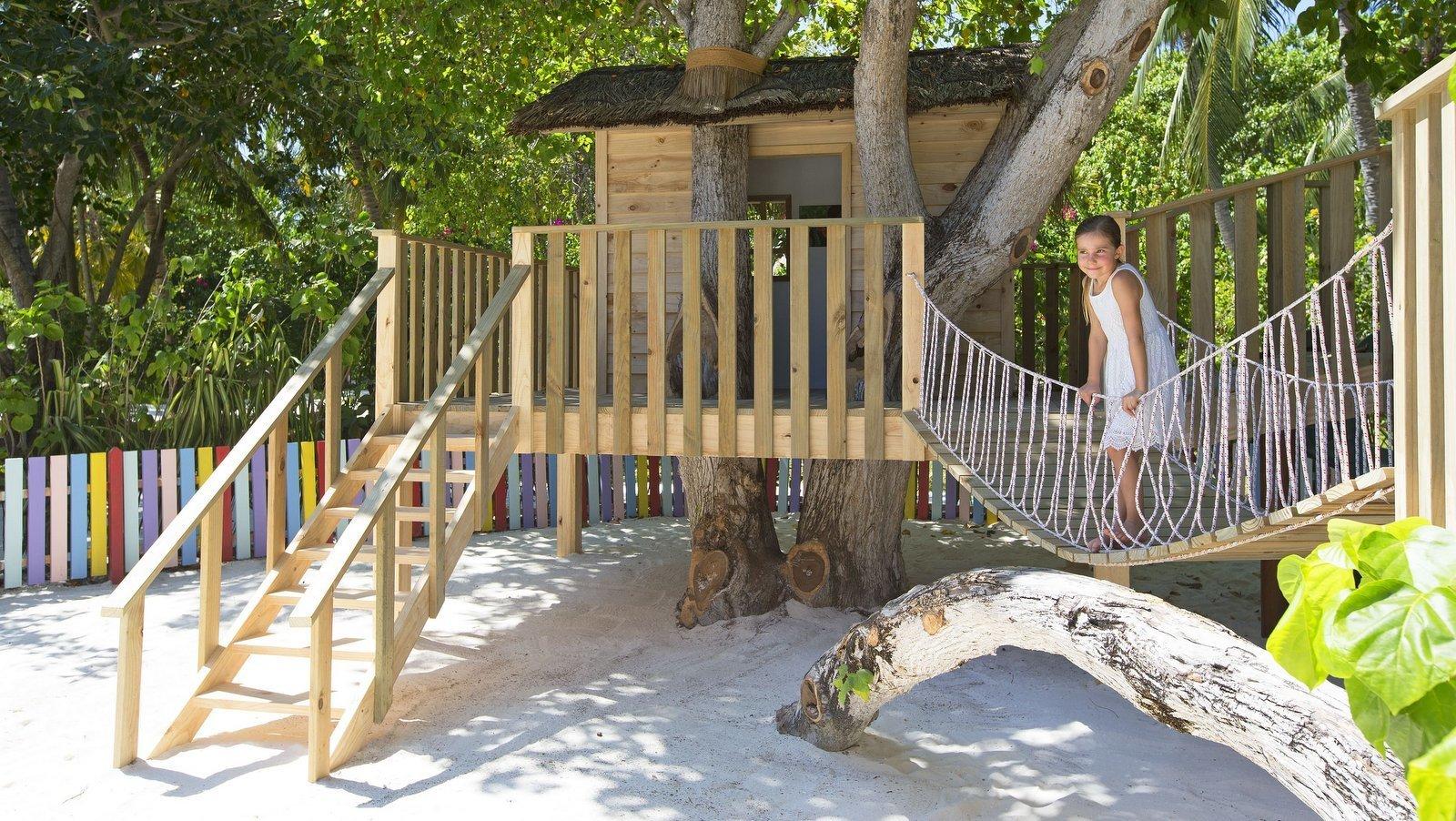 Мальдивы, отель Anantara Dhigu Maldives Resort, детский клуб