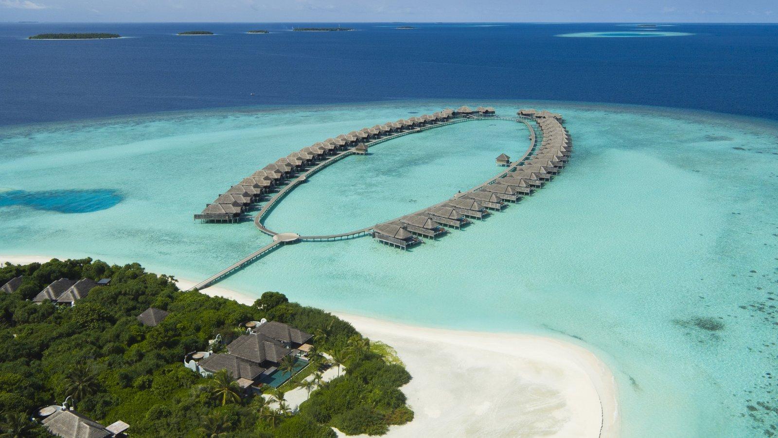 Мальдивы, отель Anantara Kihavah Maldives Villas, водные виллы