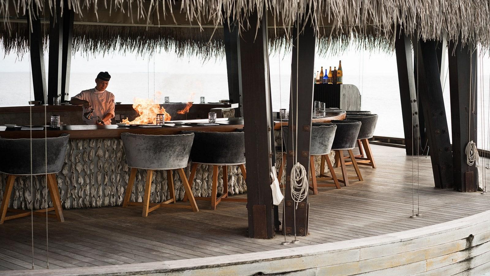Мальдивы, отель Anantara Kihavah Maldives Villas, ресторан Fire