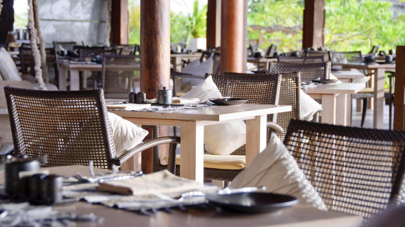 Мальдивы, отель Anantara Dhigu Maldives Resort, ресторан Fushi Cafe