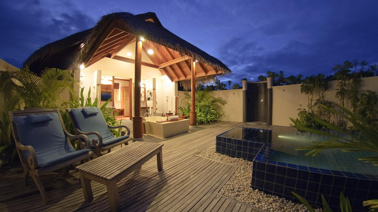 Мальдивы, отель Anantara Dhigu Maldives Resort, номер Sunset Pool Villa
