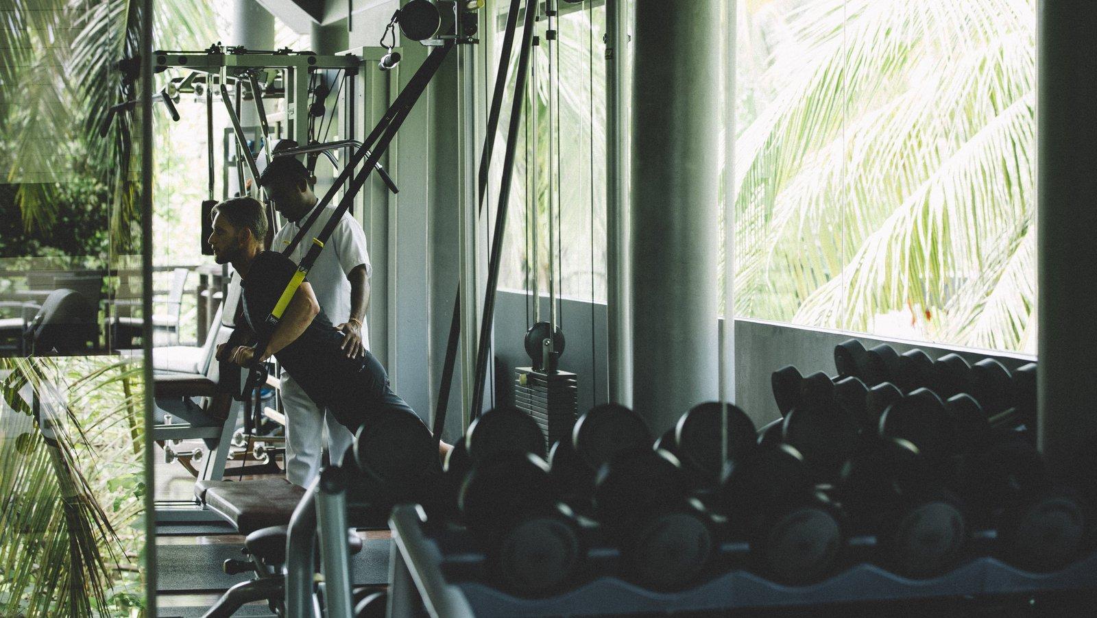 Мальдивы, отель Anantara Kihavah Maldives Villas, фитнес центр