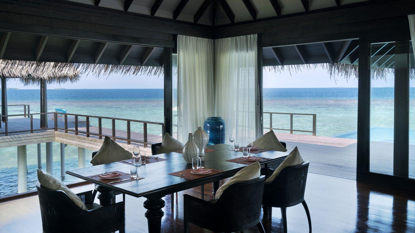 Мальдивы, отель Anantara Kihavah Maldives Villas, номер Two-Bedroom Over Water Pool Residence
