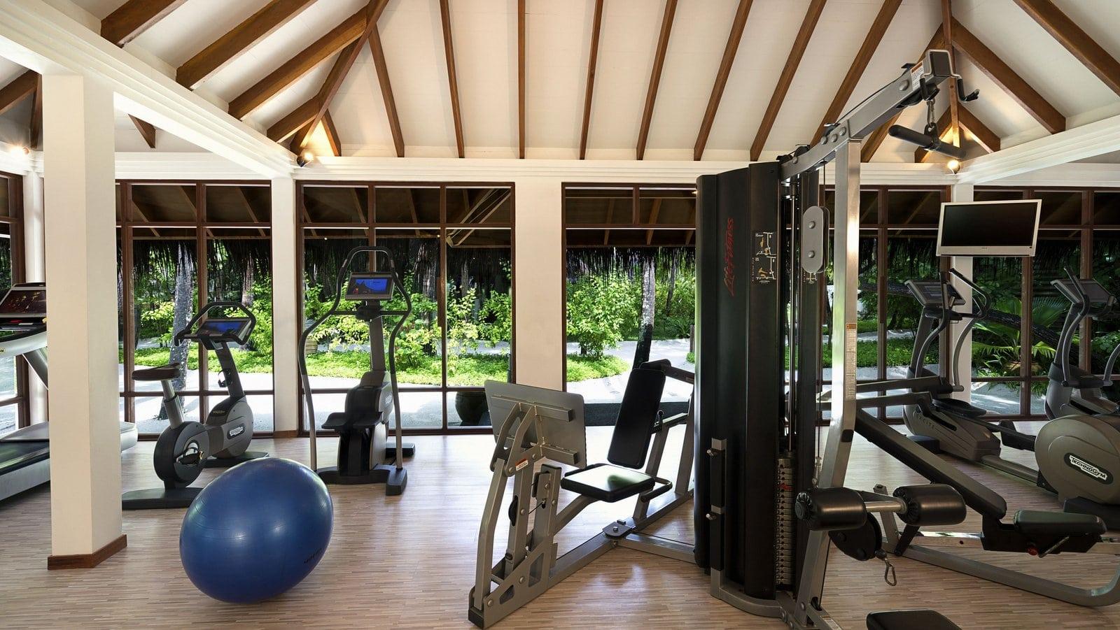 Мальдивы, отель Anantara Veli Resort, фитнес центр