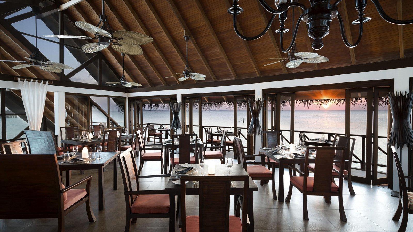 Мальдивы, отель Anantara Dhigu Maldives Resort, ресторан Terrazzo