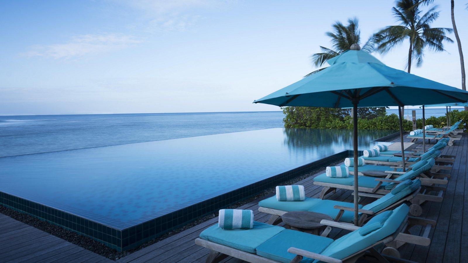 Мальдивы, отель Anantara Veli Resort, бассейн