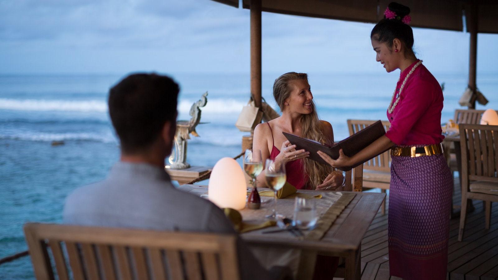 Мальдивы, отель Anantara Veli Resort, ресторан Baan Huraa