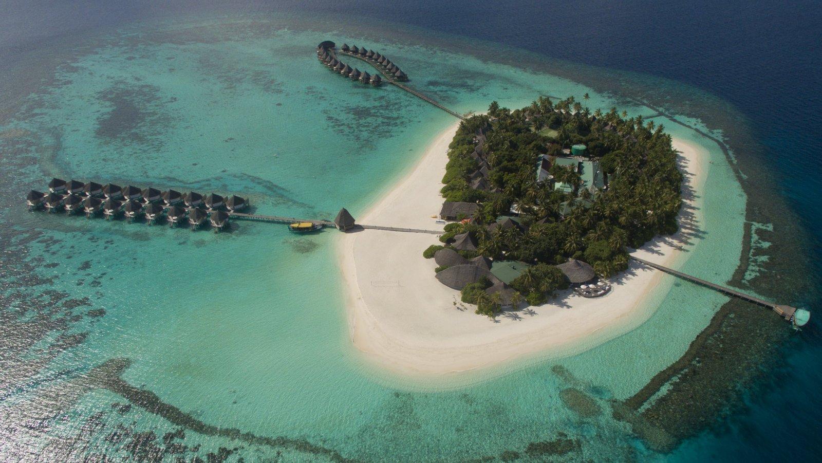 Мальдивы, отель Angaga Island Resort & Spa, остров