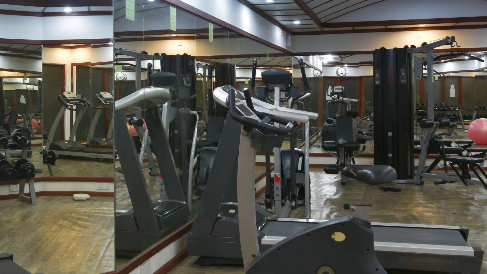 Мальдивы, отель Angaga Island Resort & Spa, фитнес центр