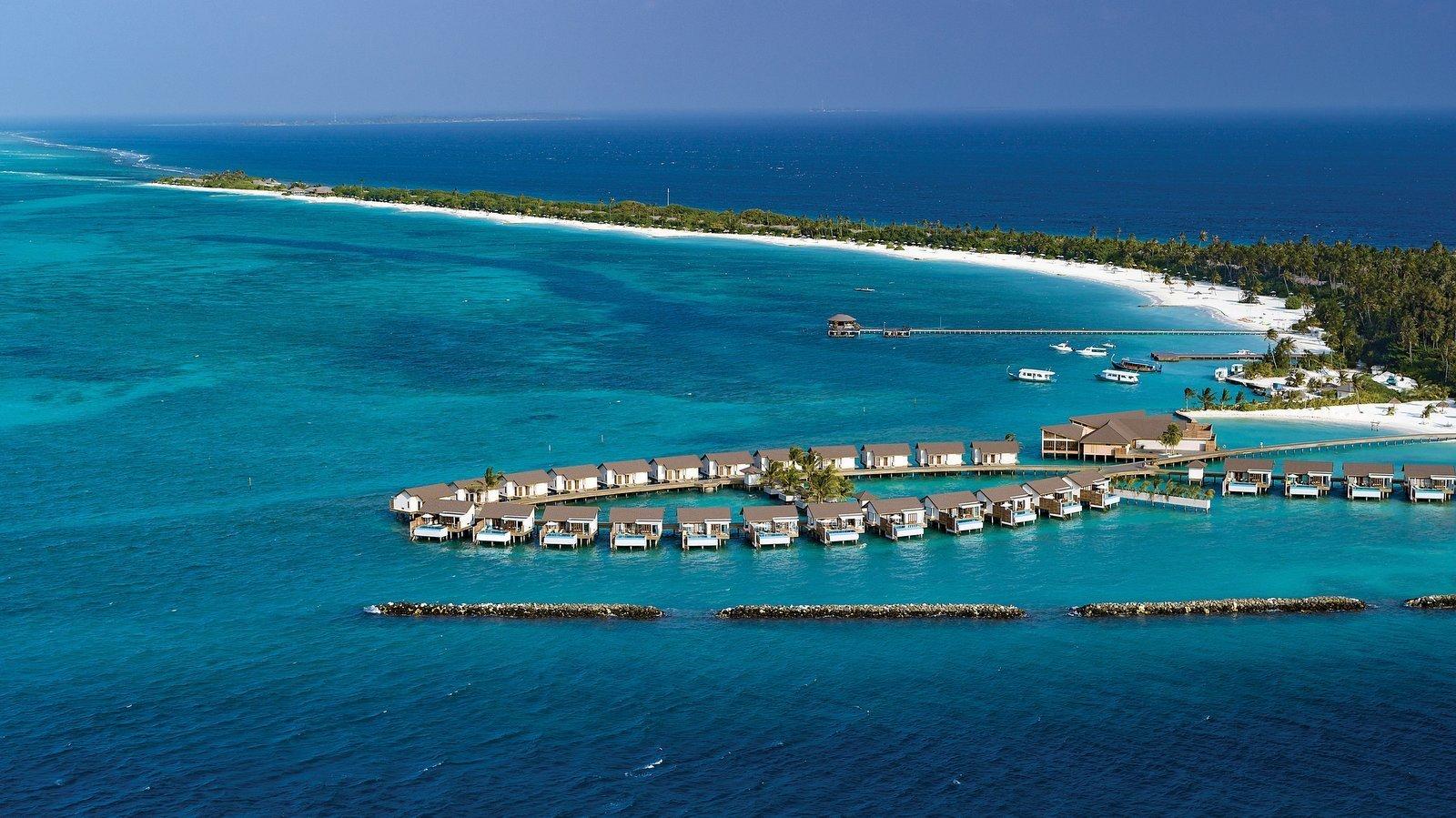 Мальдивы, отель Atmosphere Kanifushi Maldives, водные виллы